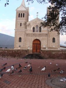 Parroquia San Antonio de Pichincha. Fuente de la Imagen: raleph.wordpress.com